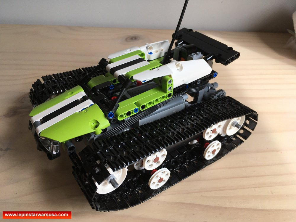 Review LEPIN 20033 RC Tracked Racer Competiable with LEGO 42065