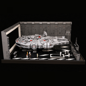 Star_Wars_Star_Docking_Bay_327_Hanger_MOC_for_minifig_scale_UCS_Falcon_9_1024x1024
